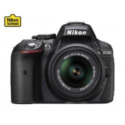 كاميرا دي-٥٣٠٠ الرقمية أس أل أر + عدسة تقريب ١٨-٥٥ من نيكون - اللون الأسود