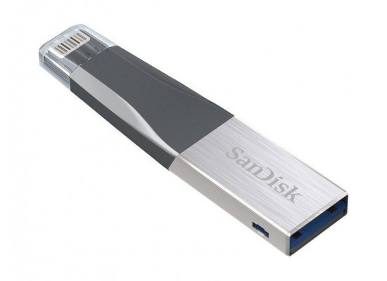 Sandisk Mini Ixpand 40N032GGN6NN 32GB Flash Drive for Apple angled view