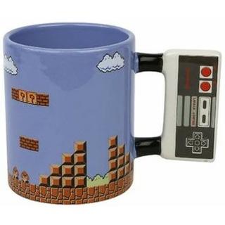 كوب على شكل تحكم NES من Paladone