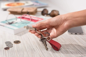 Grab and go with the keyring hole