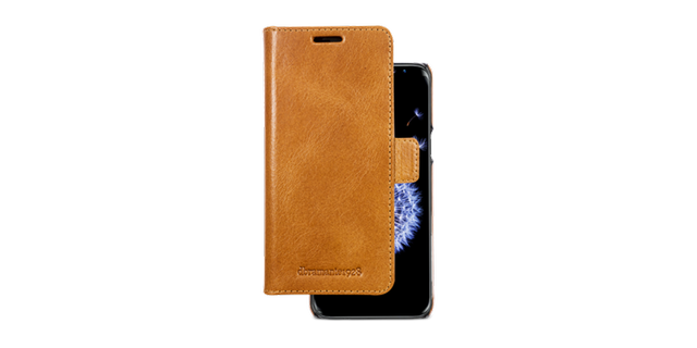 Handcrafted from Premium full-grain Leather