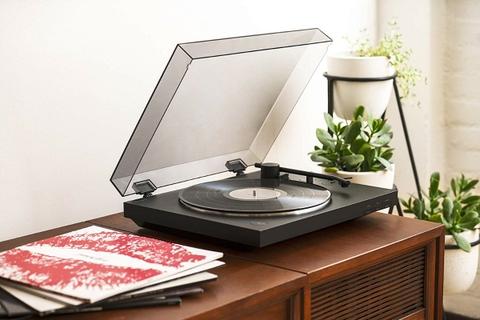 Enjoy high fidelity vinyl from a modern wireless turntable