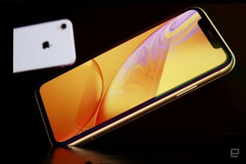 إليك شاشة LCD الأكثر تطوراً في مجالها.