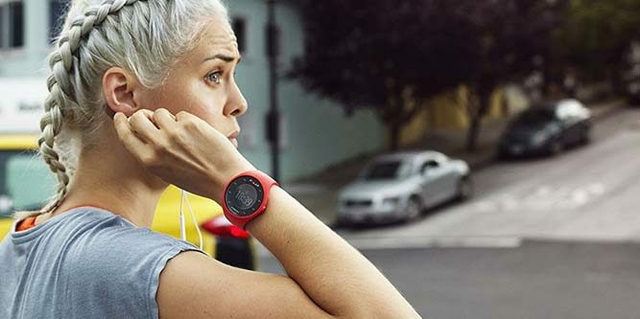 Gps Running Watch With Wrist-based Heart Rate