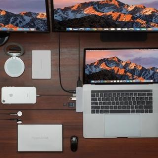 محول USB-C ٧ في ١
