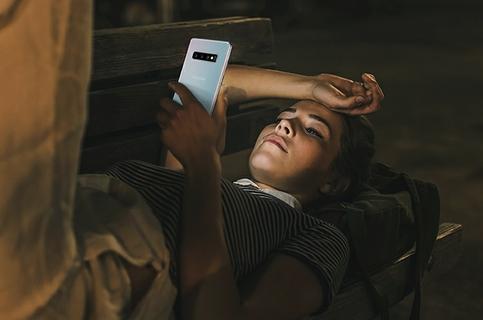 الهاتف المستعد للعمل طوال اليوم، مثلك تماماً