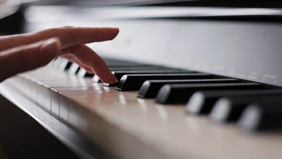 لوحة المفاتيح للموسيقيين البداية متعة وملهمة